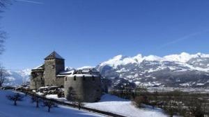 Nickjmiller.com - Vaduz Castle